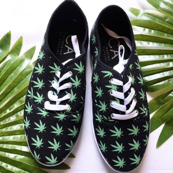 dc650ce2b252 carrini Shoes | Weed Plant Marijuana Print Womens Sz 8 | Poshmark